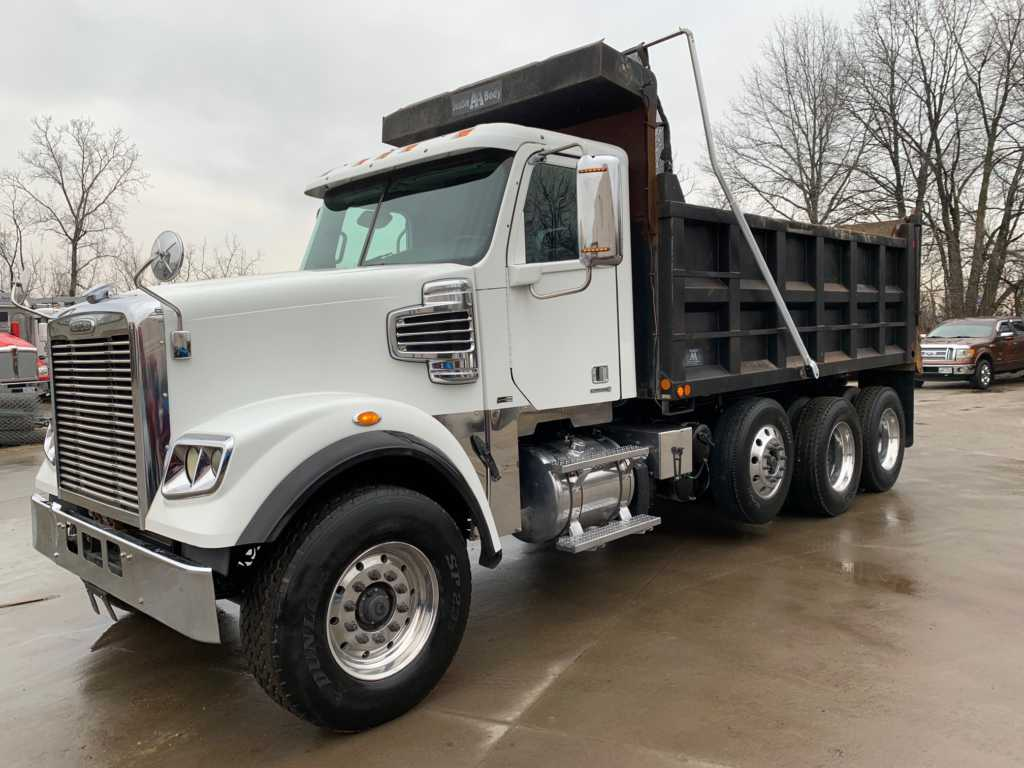 2011 FLD Tri Dump Truck (1)