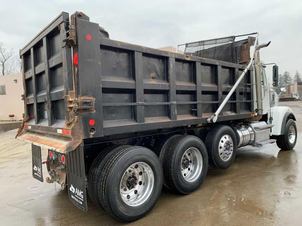 2011 FLD Tri Dump Truck (4)