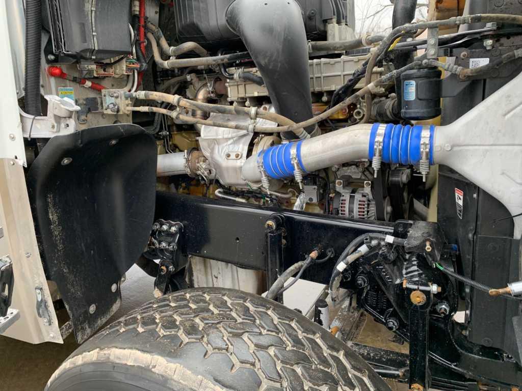 2011 FLD Tri Dump Truck (7)