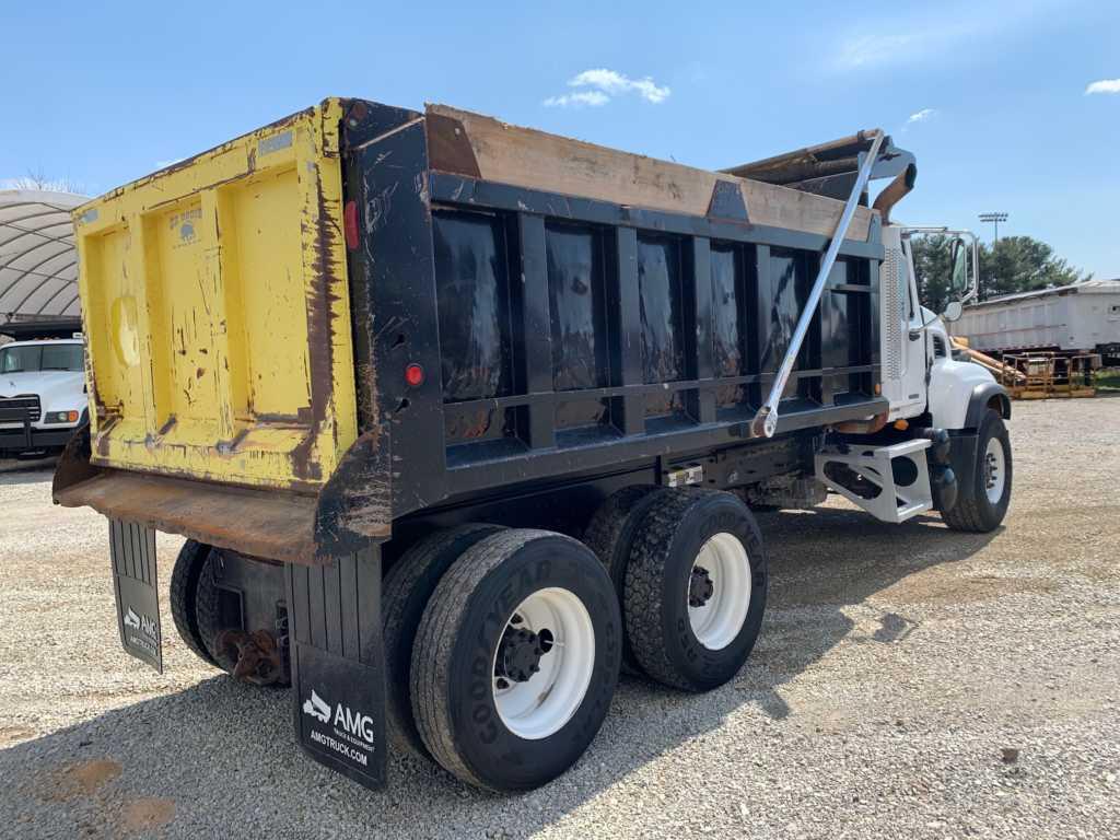 2004 Granite Dump 8901 (3)