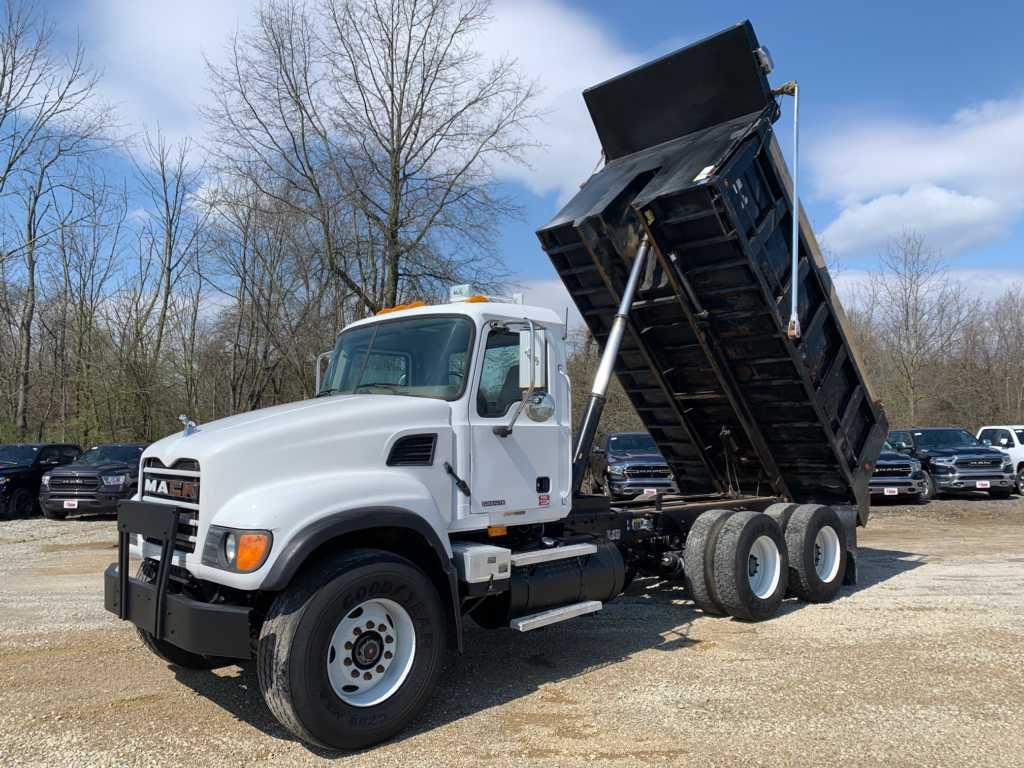 2004 Granite Dump 8901 (12)